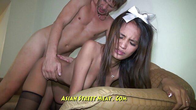 XXX sem registo  MILF India Summer, a sua enteada adolescente, 26 fantásticas xvídeo pornô ao vivo instrutoras Lésbicas.