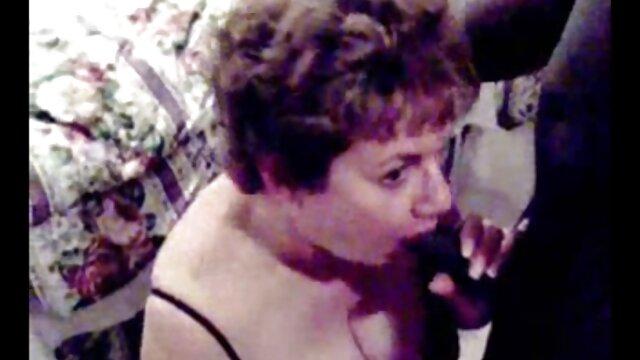 XXX sem registo  O porno caseiro ao vivo professor Juicy Ebony fez sexo anal com ébano.