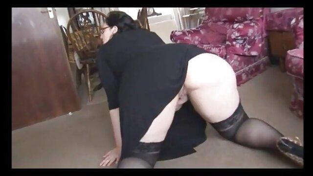 XXX sem registo  O demónio vídeo de pornô sexo ao vivo pálido fode a gaja dura, espiando Masturbação