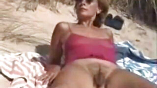 XXX sem registo  Luna Starlet monta uma pila enquanto fode em ambas vídeo pornô ao vivo as fendas.