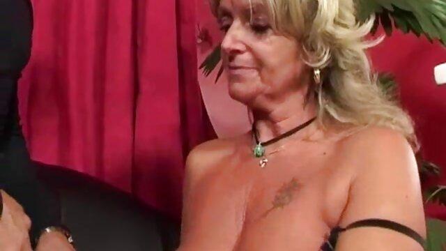 XXX sem registo  Lambida e fodida rapariga porno brasileiro ao vivo com um belo rabo