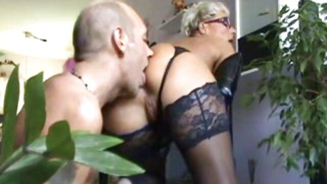 XXX sem registo  Nicole Love destrói seu ânus vídeo de pornô brasileiro ao vivo com uma grande caçadeira