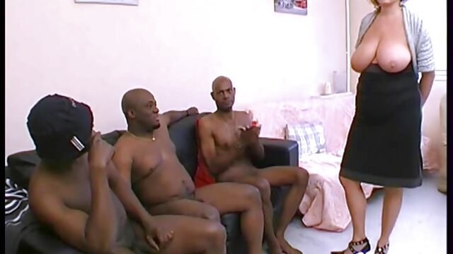 XXX sem registo  o atraente vídeo pornô de viviane fernandes reinado de Jade ninfomaníaca recebe um calor interno