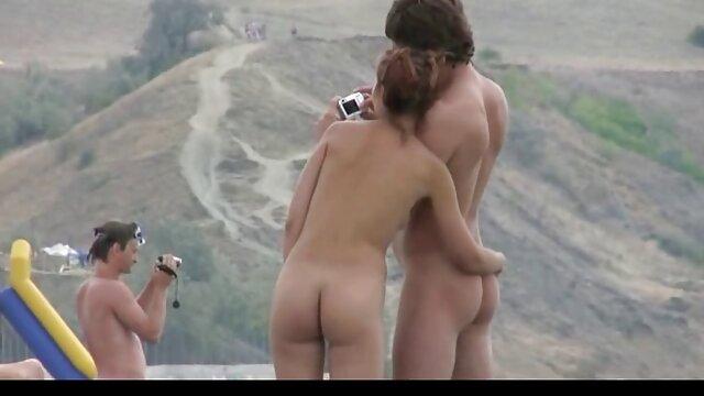 XXX sem registo  Recém-casados fodem depois do casamento os melhores vídeos pornô ao vivo no cam em posição de cão