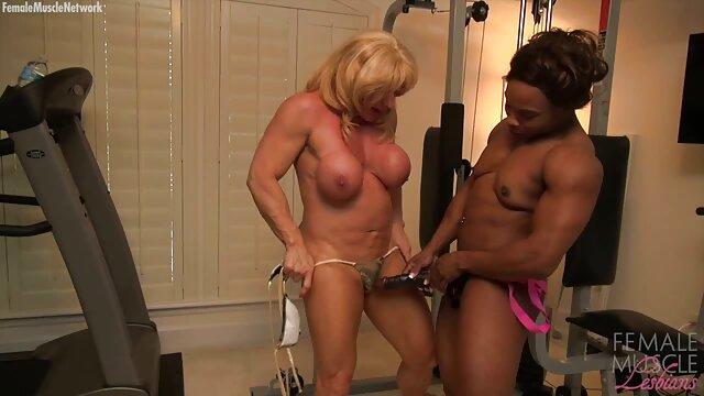 XXX sem registo  Adoro uma rapariga interracial super Boazona! vídeo pornô ao vivo online