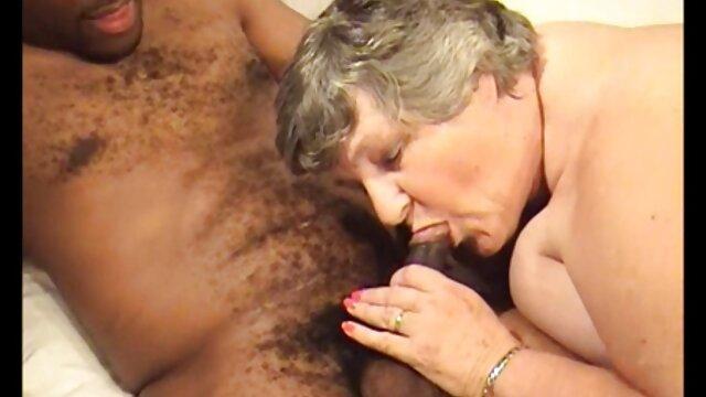 XXX sem registo  Massagista esticado vídeo de pornô vivo cliente de Rata com mãos e Pila