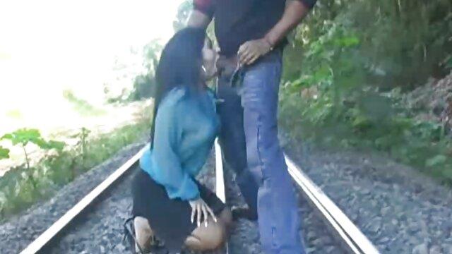 XXX sem registo  Lisa video ao vivo porno Ann passa por uma implacável Dupla penetração inter-racial sem arrependimentos.