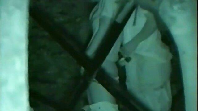 XXX sem registo  Milf, O que a milf leva com o rabo furado e fodido por duas bombas de esperma. porno ao vivo amador