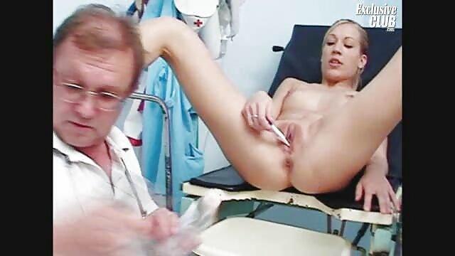 XXX sem registo  Babysitter-exibicionista, Babysitter Lena Paul, conduz a ejaculação interna vidio pono aovivo