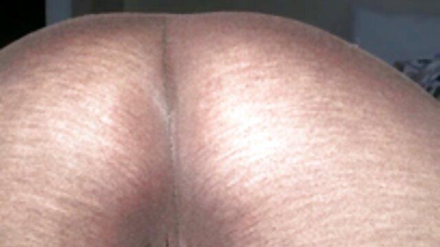 XXX sem registo  Sapalssubsluts-porquinho tatuado fode garganta videos de sexo ao vivo online e engole esperma