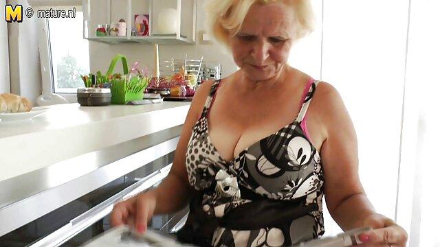XXX sem registo  Piquenique sexual de velhos video de pono ao vivo esquisitos com adolescentes
