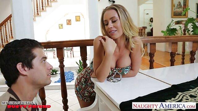 XXX sem registo  O piloto porno brasileiro ao vivo fode duas hospedeiras na cabine com o rabo apertado