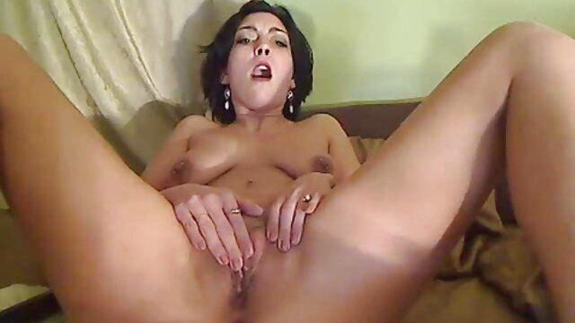 XXX sem registo  apartamentos de massagens orgasmos intensos e sensuais videos de sexo online ao vivo para luxuosos russos de cabelo escuro