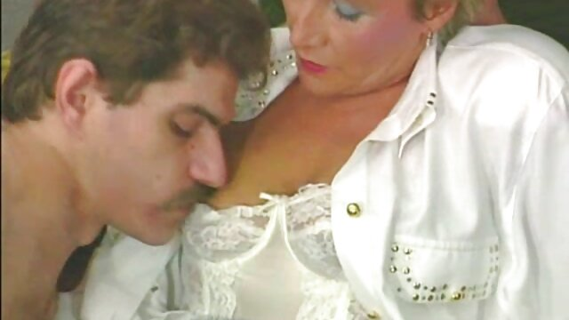 XXX sem registo  Latina com video chamada online porno saia curva ar fresco amontoado com Maçaneta