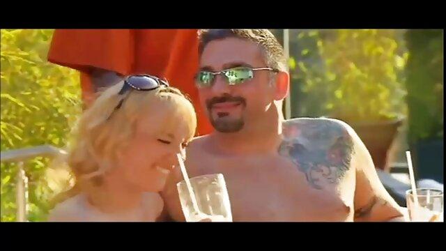 XXX sem registo  Nicole porno ao vivo amador Striptease alucinante