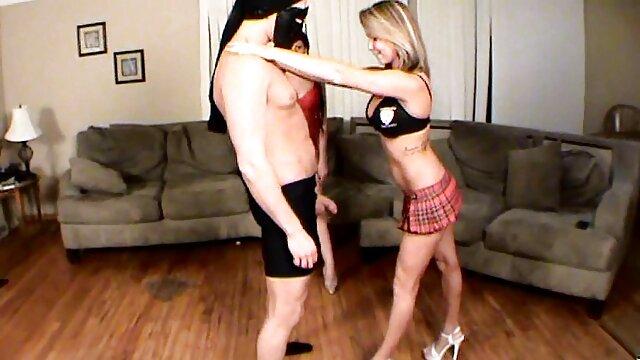 XXX sem registo  PAWG vídeo pornô ao vivo agora cougar a bater no clímax com o conhecido filme do marido