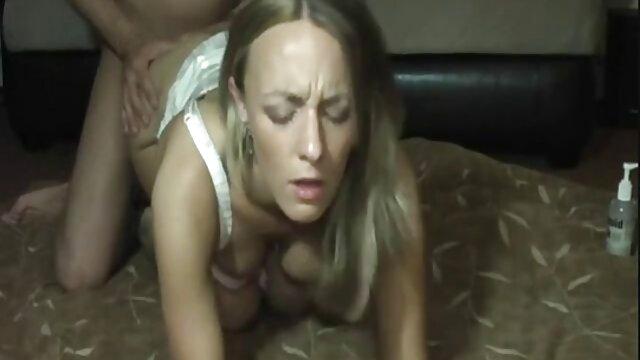 XXX sem registo  a tímida debutante vídeo de pornô caseiro ao vivo em miniatura na estreia de Fois avec Inconnu !!
