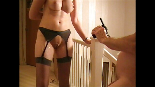 XXX sem registo  Petite girl fodeu Bumblebee vídeo de pornô de sexo ao vivo Aubrey Kate