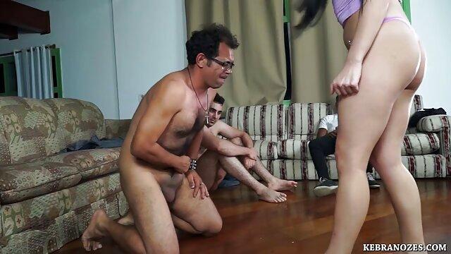 XXX sem registo  lição lésbica da mãe vídeo vídeo pornô ao vivo impaciente
