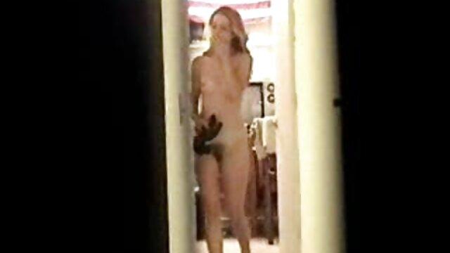 XXX sem registo  Leggy babe em meias e saltos ver vídeo de pornô ao vivo altos