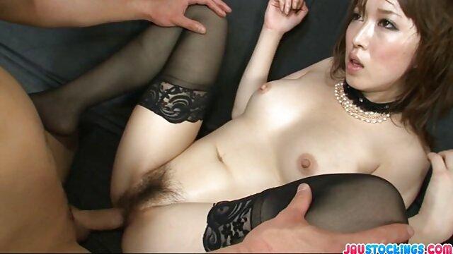 XXX sem registo  urinar na vídeo de sexo pornô ao vivo banheira