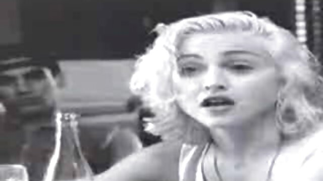 XXX sem registo  Petite latina Isa é fodida pela primeira vídeo de pornô sexo ao vivo vez no rabo em frente à Câmara anal!
