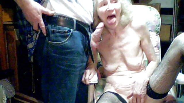 XXX sem registo  A mulher gordinha filmada a foder o video ao vivo porno tubo.
