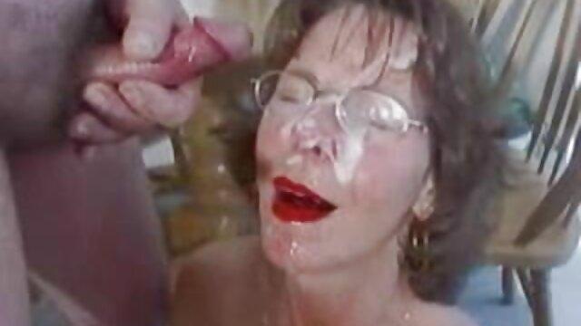 XXX sem registo  Ébano vídeo pornô ao vivo grátis maduro e tranny babe fodendo o jovem branco pela primeira vez