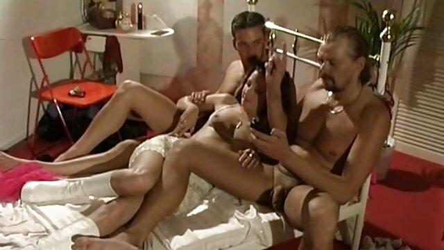 XXX sem registo  Mãe Oriental anseia por tubos videos porno ao vivo gratis e esperma