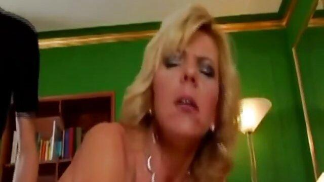 XXX sem registo  o velho meat fode outra vez a insaciável vídeo de pornô vídeo de pornô ao vivo Cindy.