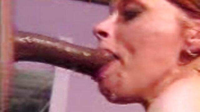 XXX sem registo  Pale BBW vídeo de pornô caseiro ao vivo cavalga piça de amante depois de posar 69