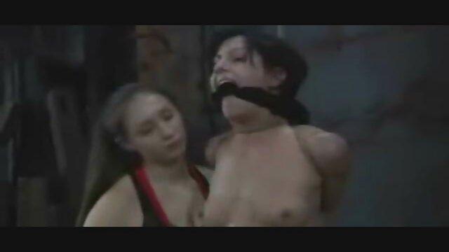 A melhor pornografia não tem registo.  rabo feminino com xvídeos pornô brasileiro ao vivo tranças, orgia com lágrimas nos olhos no teatro XXX