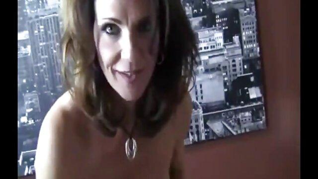 XXX sem registo  Modelo videos de sexo ao vivo online cum de dildo masturbação sem esperar pelo marido