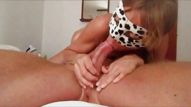 XXX sem registo  A Latina massagista esfrega Ratas na vídeo pornô da viviane fernandes rata de silicone do cliente