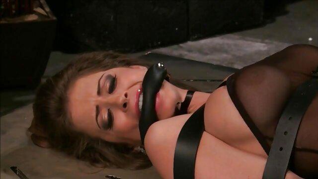 XXX sem registo  Adolescente lésbica fodida por Mamas carnudas com Pila artificial vídeo vídeo de pornô ao vivo dupla