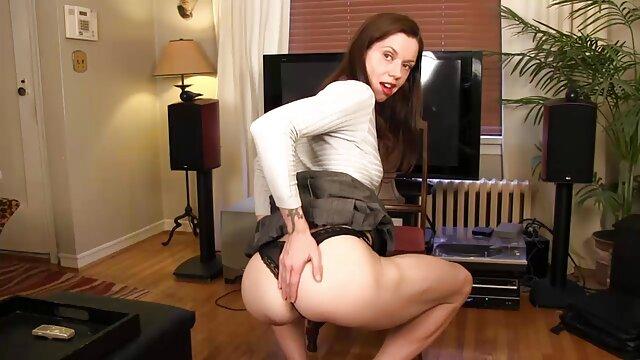 XXX sem registo  Myslutwifegoesblack esposa traidora fode pela primeira videos porno webcam ao vivo vez com um estranho negro