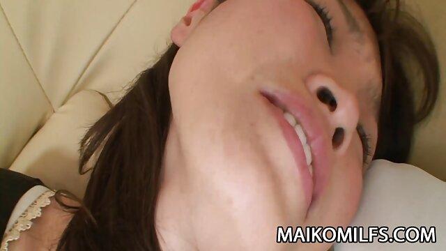 XXX sem registo  Mamilos vídeo pornô ao vivo sexo picados por brocas