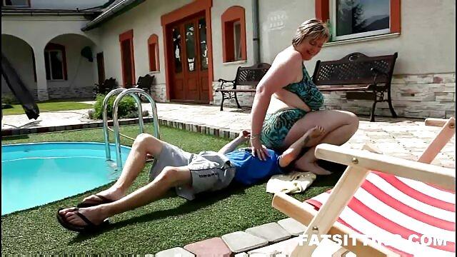 A melhor pornografia não tem registo.  Com 27 anos, o padrasto Piper Perri vê vídeo de pornô grátis ao vivo a lésbica dela.