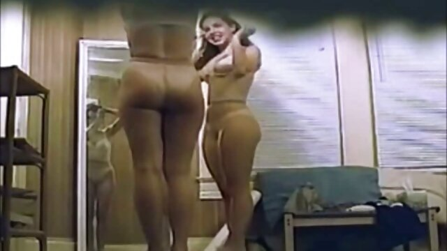 XXX sem registo  Mulher grávida madura fode marido amigos como uma verdadeira ver vídeo pornô ao vivo prostituta