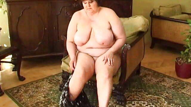 XXX sem registo  A Ebony fodeu uma mulher videos de sexos ao vivo grávida com um grande pénis preto à frente da boneca do marido.
