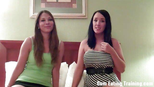 XXX sem registo  O amante fode uma rapariga casada de rabo lubrificado nas vídeo de pornô grátis ao vivo férias.
