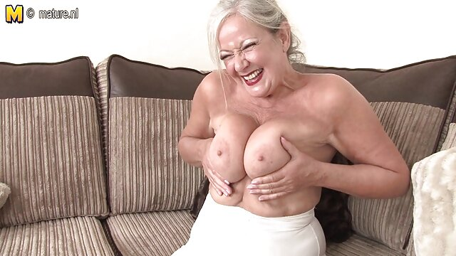XXX sem registo  Dupla penetração lésbica eu quero ver vídeo de pornô ao vivo ?! Deville, Lebel e o rio? Meu Deus!