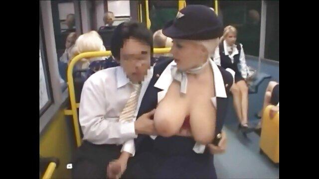 XXX sem registo  ninfomaníaca Chloe Capri quer ser fodida no vídeo pornô ao vivo rabo