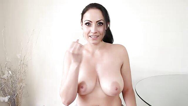 XXX sem registo  o gay Sadie Holmes manda uma os melhores vídeos pornô ao vivo Rata peluda para uma orgia selvagem.