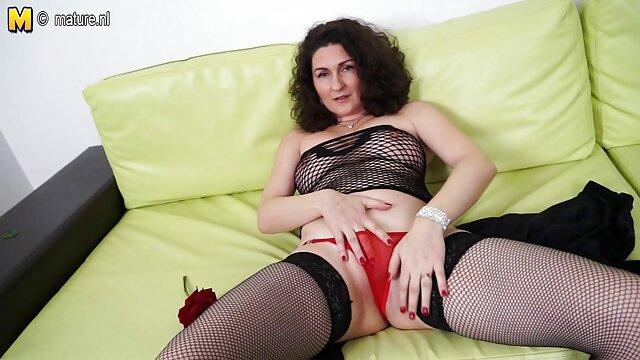 XXX sem registo  Uma vídeo de sexo pornô ao vivo pequena andorinha japonesa de 20cm