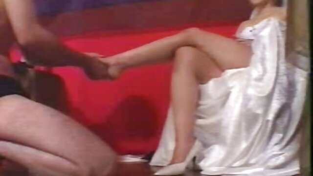 XXX sem registo  Fodeu a mãe amiga videos sexos ao vivo engole esperma com chantilly