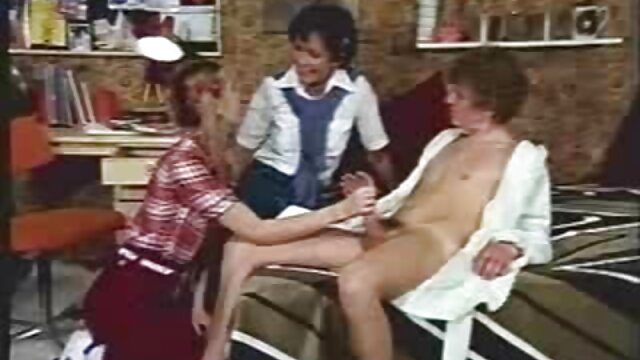 XXX sem registo  Mulher casada madura Chupa pilas de um quero ver vídeo pornô ao vivo jovem