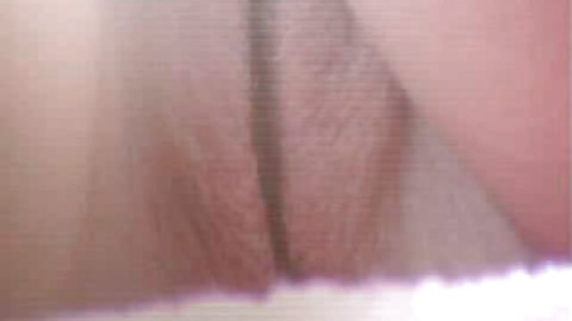XXX sem registo  Estudantes universitários nus no chuveiro da Faculdade vídeo de sexo pornô ao vivo