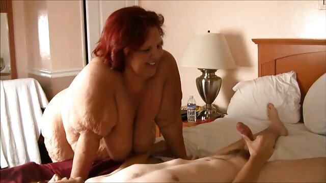 XXX sem registo  Sexo ao ar livre comedor de gajas com miúdas vídeos pornô caseiro ao vivo