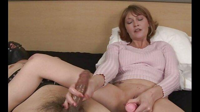 XXX sem registo  Orgia com a sexo caseiro ao vivo mulher, o marido a trair o Bissexual, A Milf e o galo negro